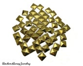 50 PCS - 10mm Gold Pyramid Flat Back Studs Iron On Studs - Great for iPhone Case, Jewelry, Clothes