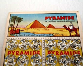 PYRAMID  SEWING SNAPs  //  Vintage  1950 - 60s  Made by PRYM  West Germany //  fantastic graphics  and product quality