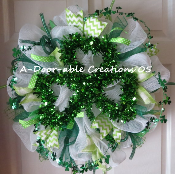 st patrick 39 s day deco mesh wreath shamrock luck of the. Black Bedroom Furniture Sets. Home Design Ideas