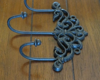 Shabby Chic Wall Hook / Cottage Chic / Keys Jewelry Scarf Hanger / Wall Hook Rack / Towel Hook / Black or Pick Color /Decorative Wall Hanger