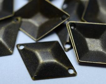 50 Pcs Antique Bronze 17x11 mm 3D Findings