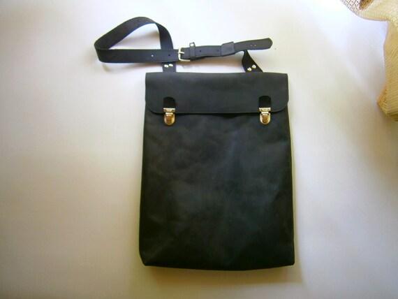 """15""""Macbook Pro Laptop Bag, Messenger Bag, Vertical Laptop Bag, Handmade Black Leather Bag, Custom Bag, Student's bag,"""