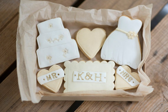 Personalised Wedding Gifts For Bride And Groom Singapore : - personalised wedding gift, Personalised bride and groom gift, gift ...