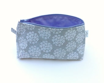 Small Cosmetic Bag Grey with white flowers, lavender zipper