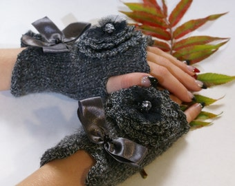 Grey Womens Fingerless Mittens Hand Knit Fingerless Gloves Silver Grey Wrist Warmers Christmas Gifts for Her