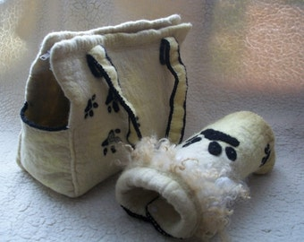 AVAILABLE ! Dogs woolen carrier and coat, felted carrier and winter coat for small dogs breeds (Terrier, Chixuaxua etc)