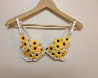 Daisy Covered Rave Bra - White