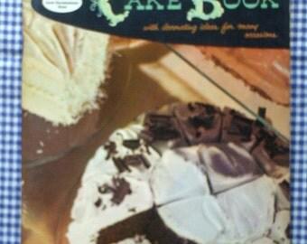Vintage 1958 Good Housekeeping's Cake Book