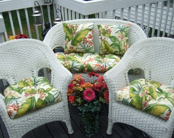 Indoor / Outdoor Wicker Cushion 5 Pc Set   Tommy Bahama Green Pink Tropical  Floral