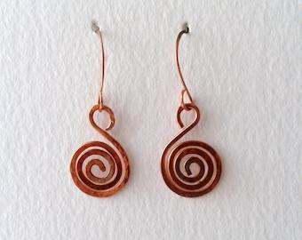 Copper spiral earrings, copper earrings, copper coil earrings, copper drop earrings, copper handmade earrings, copper hammered earrings