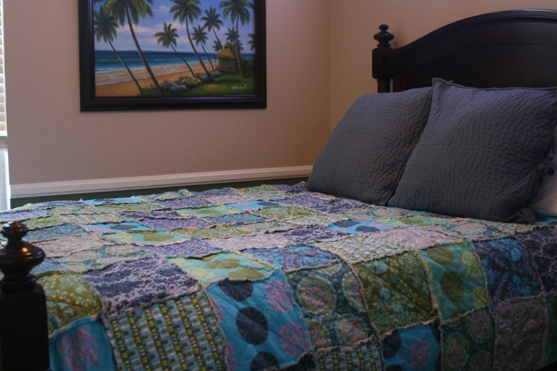 twin size quilt full size quilt rag quilt teen bedding. Black Bedroom Furniture Sets. Home Design Ideas