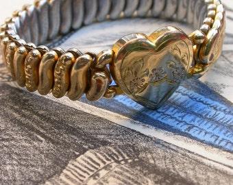 French antique  Floral art nouveau  18K gold  lys flower pendant bracelet 18k gold chain bracelet royal flower lys