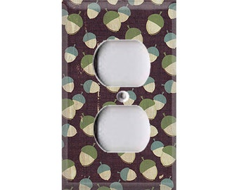Nature Lover Collection - Acorns Outlet Cover