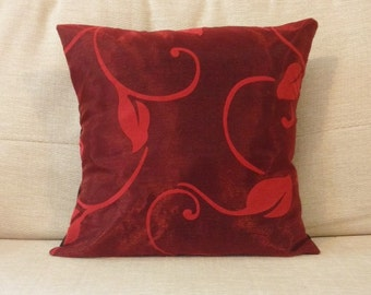 Red leaf patterned cushion - Handmade - 30x30cm