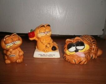 Lot of 3 Garfield Ceramic Figurines, Garfield Holding an Apple, 1981