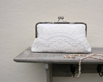 Lace bridal clutch bag, ivory wedding clutch, scalloped ivory vintage lace clutch, bridesmaids clutch, clutch purse, custom clutch, uk selle