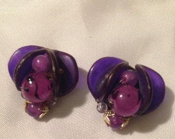 1950s purple bead clip on earrings