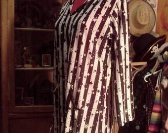 Long Kaftan White with Black Stars and Stripes...Hood and front pocket... (Can be made shorter)