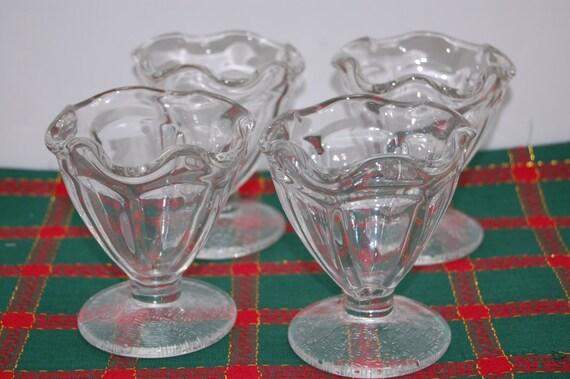 4 vintage sundae glasses sundae cups ice cream pudding. Black Bedroom Furniture Sets. Home Design Ideas