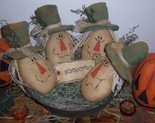 PRiMiTiVe RaGGeDy FaLL HaRVeSt ScAReCRoW BoWL FiLLeR DoLLs TuCks PaTTeRn
