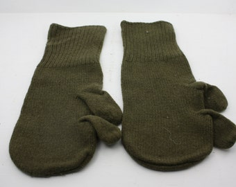 Vintage Pair of WWII Wool Mitten Liners - Trigger Finger M-1948