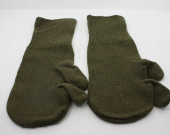 Knitting Pattern PDF Trigger Finger Mittens for Men and