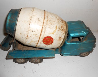 Structo cement truck