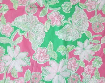 "18"" x 18"" Lilly Pulitzer Fabric Hit the Spot"