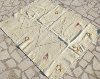 Free Delivery Small Cream Kilim Area Rug With Simple