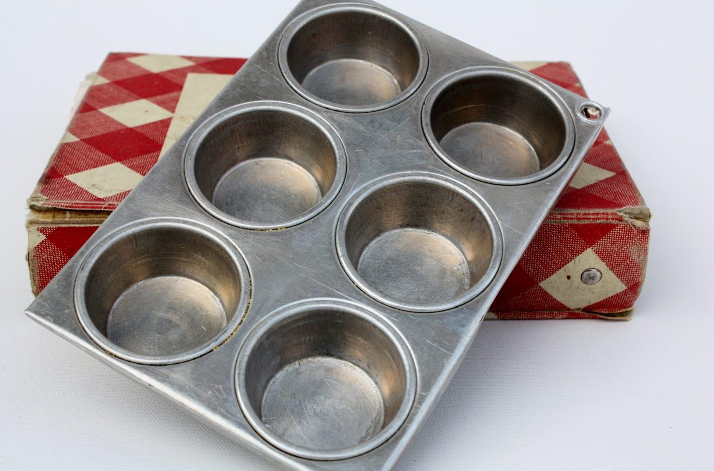 Vintage Metal Mirro 6 Cup Muffin Pan Cupcake