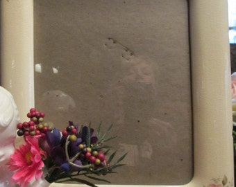 Beautiful Glass/Porcelain Picture Frame with Painted Flowers