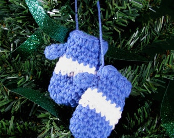 Amigurumi Crochet Pattern - Mitten Christmas Ornament