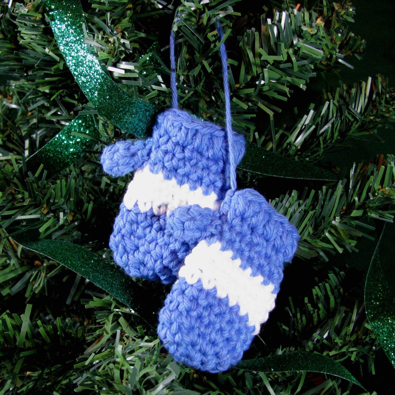 Amigurumi Crochet Christmas Ornaments : Amigurumi Crochet Pattern Mitten Christmas Ornament