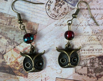 Vintage bronze colored Owl Earrings