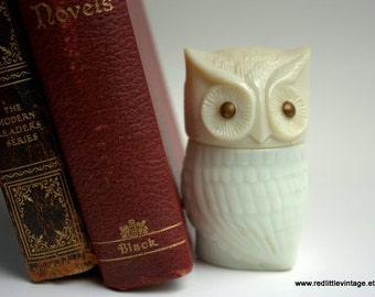 Owl Figurines, Avon Collectibles, Owl Decor, Vintage Owl,  Vintage Avon Bottles, Milk Glass Bottles, White Home Decor, Owl Collectibles