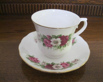 Queen Anne floral tea cup and saucer - Vintage Bone China - Queen Anne Bone China