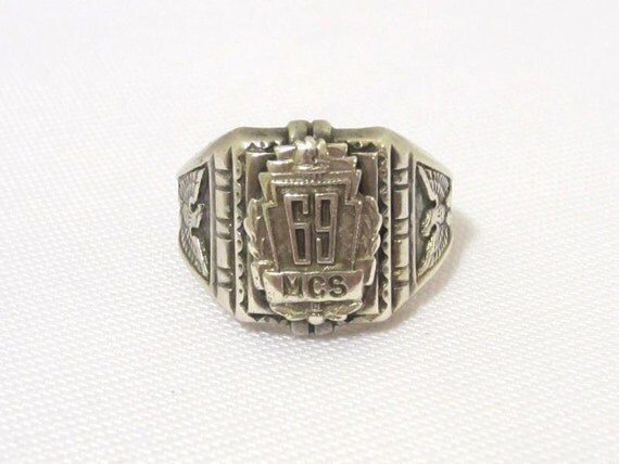 Vintage 1969 MCS Sterling silver Class Ring Size 7
