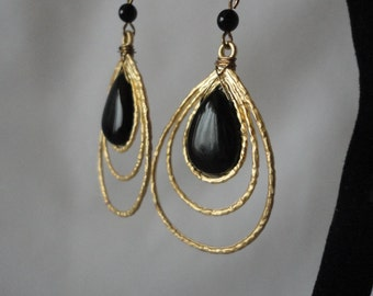 Matte goldTone Spiral Onx Earrings.