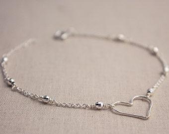 Sterling silver minimalist Heart Bracelet