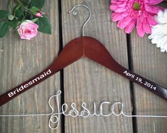 Bridesmaid Hanger with date, Bride Hanger, Name Hanger, Wedding Hanger, Personalized Bridal hanger, Bridal Gift, Fast Shipping, name hanger
