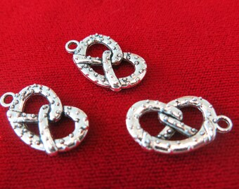 "BULK! 25pc ""Pretzel"" charms in antique silver style (BC244B)"