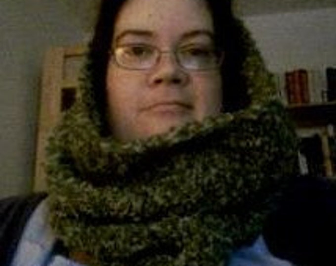 CLEARANCE! soft green cowl