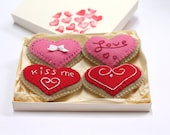 Fridge magnets heart felt beige, red and pink hand-embroidered - Set of 4