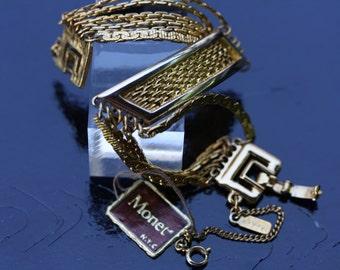 Vintage never worn Monet chain bracelet.