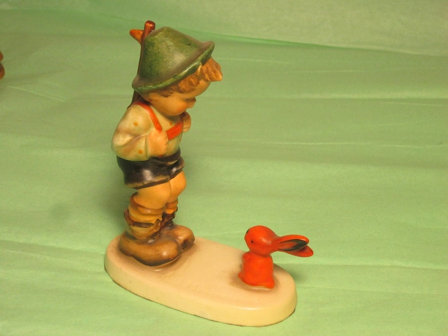 Sensitive Hunter Goebel Hummel Figurine Collectable Home Decor