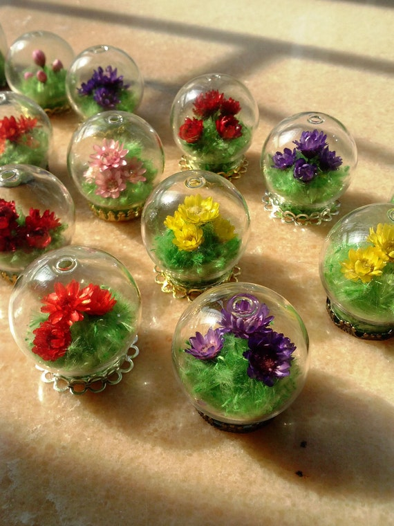 Items similar to ALIVE Magic Mini Flower in Crystal Ball ...