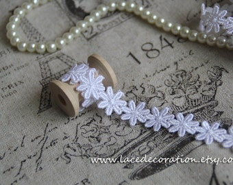 5 Yards Altered Art  Lace Necklace Supplies, Venice Lace Trim,  Daisy Lace Trim in White