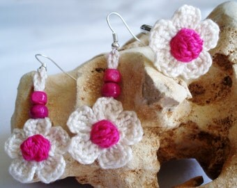 Daisies earrings, ring and earrings, crochet earrings, boho earrings, flowers earrings, flower ring