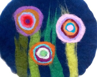 felt placemat with big flowers, blue