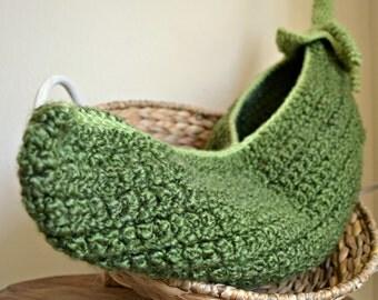 Crochet Pea Pod Cocoon - Handmade Crochet Pea Pod Cocoon, Baby Pea Pod Photo Prop (August)